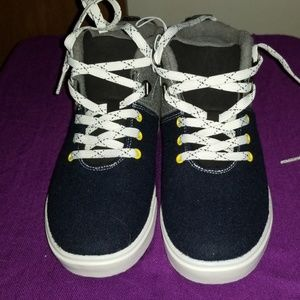 Cat & Jack Shoes - Boy's High Top Sneakers Size 4 New